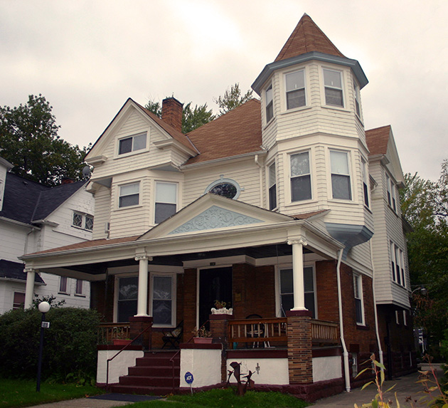 Parkers Guesthouse, Cleveland Innkeeper