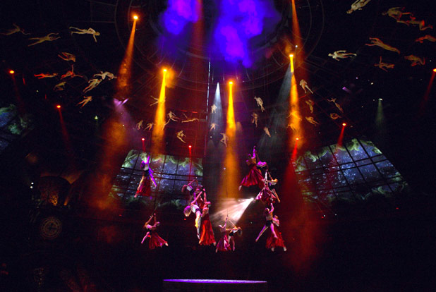 Le Reve aerialists