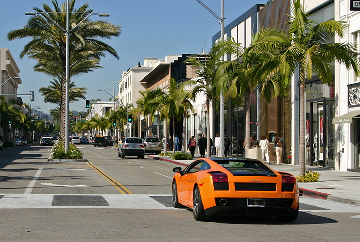 Cruising up Rodeo Drive in a Lamborghini