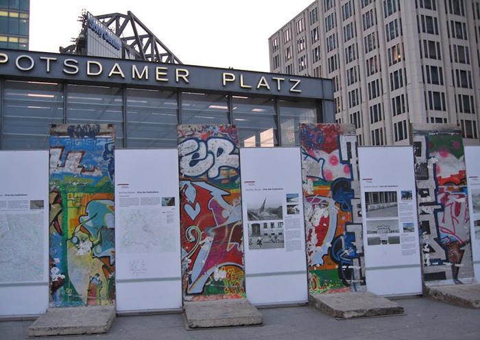 Potsdamer Platz wall