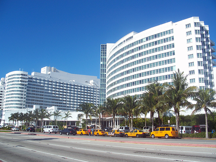 Fontainebleau Resort Hotel, Miami Hotels