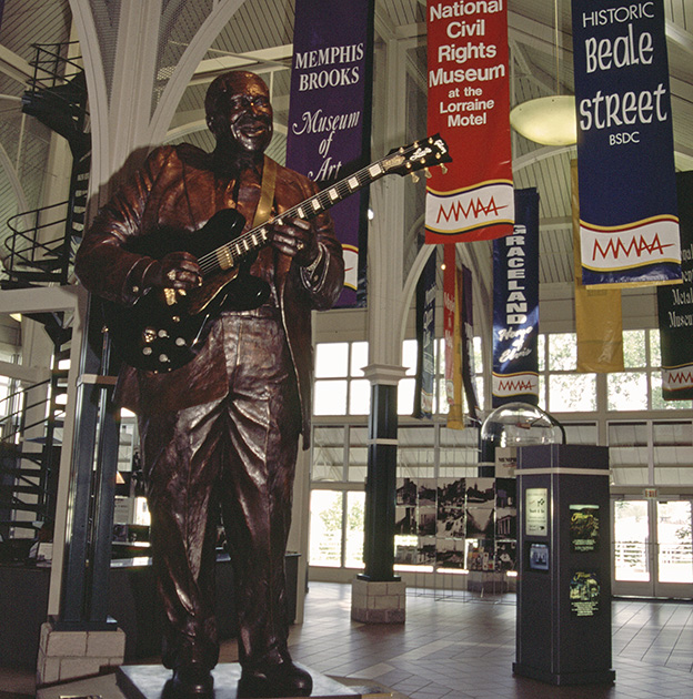 B.B. King Statue in Memphis