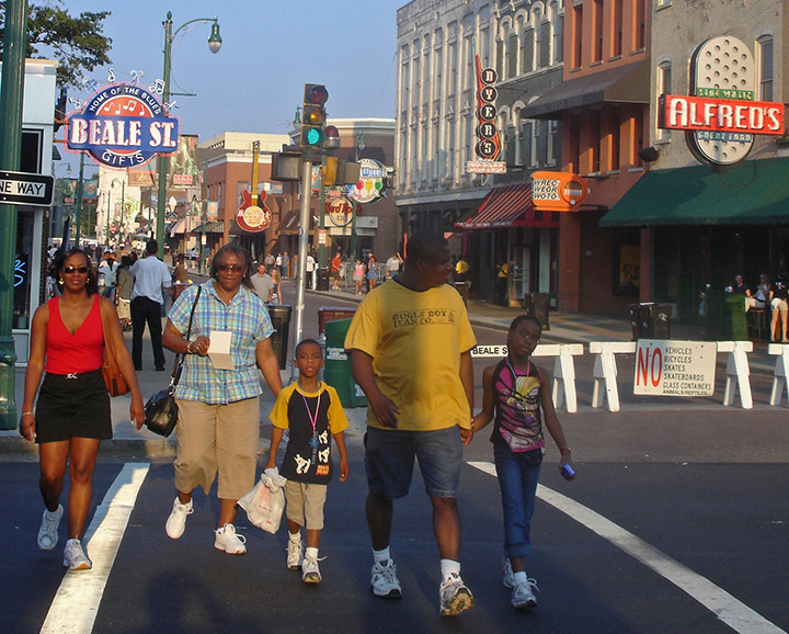 Family on Beale Street, Memphis General Attractions