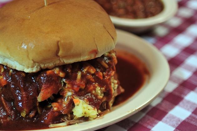 Neelys Classic BBQ Sandwich, Memphis Restaurants