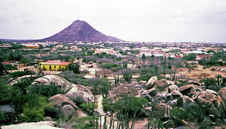 Jamanota Mountain, Aruba Attractions