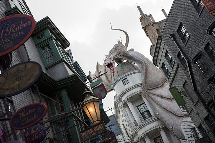Diagon Alley dragon, Islands of Adventure