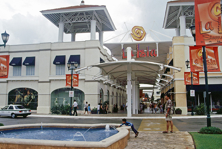 La Isla Shopping Center, Cancun Travel Tips
