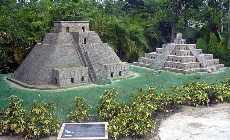 Mayan Temple model at Discover Mexico, Cozumel Travel Tips