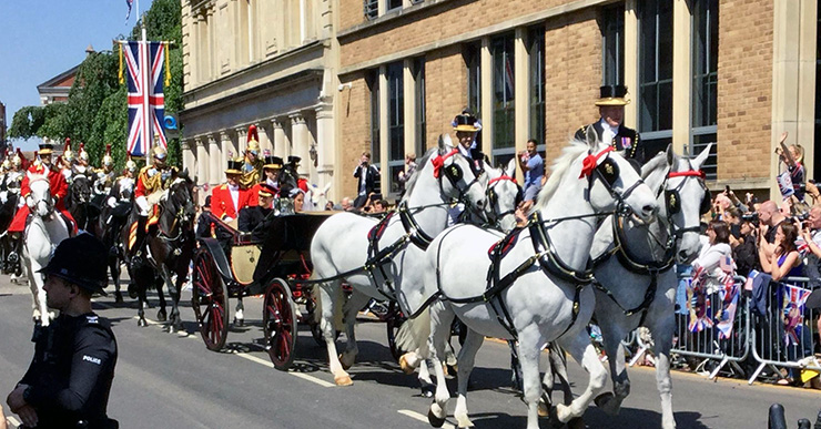 Royal Wedding carriage approaches