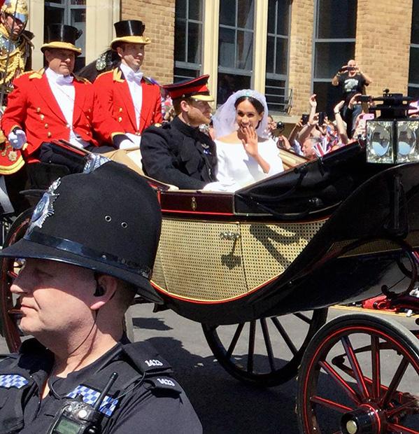 Prince Harry & Meghan waving