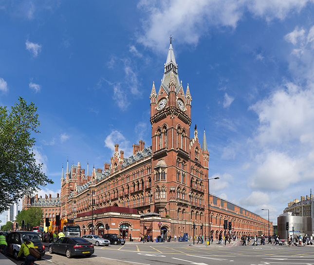 St. Pancras Renaissance Hotel & Train Station