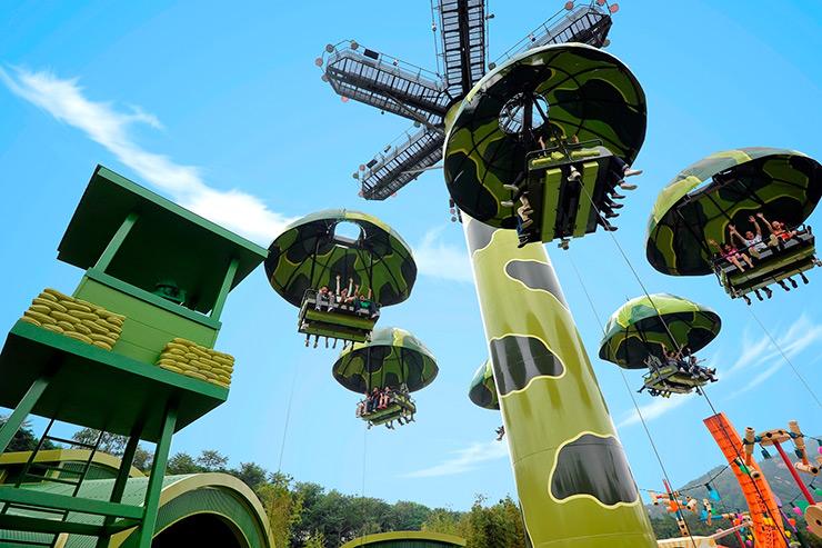 Toy Story Parachute, Disneyland