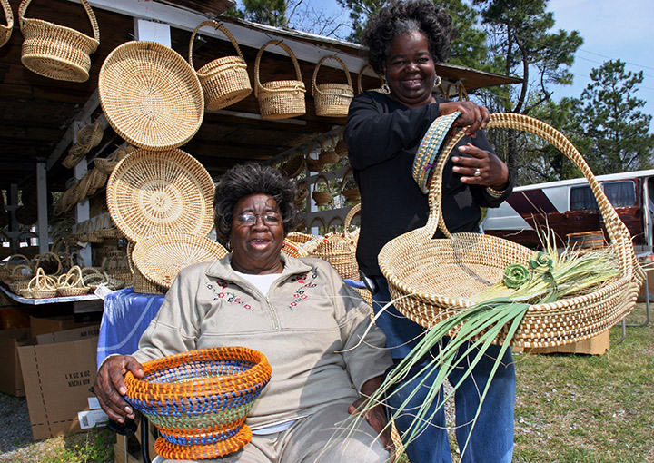 Sisters selling sweetgrass baskets in Charleston, Trivia