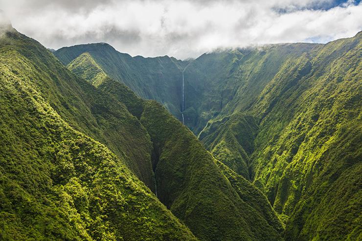 Twin mountainous waterfalls