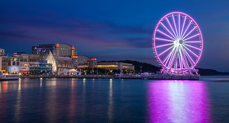 Gaylord National Harbor Hotel and Ferris Wheel