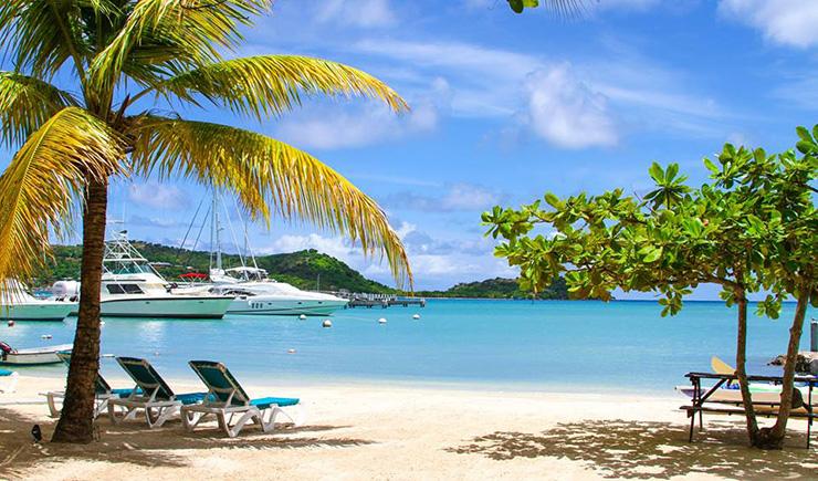 Antigua yachts in port