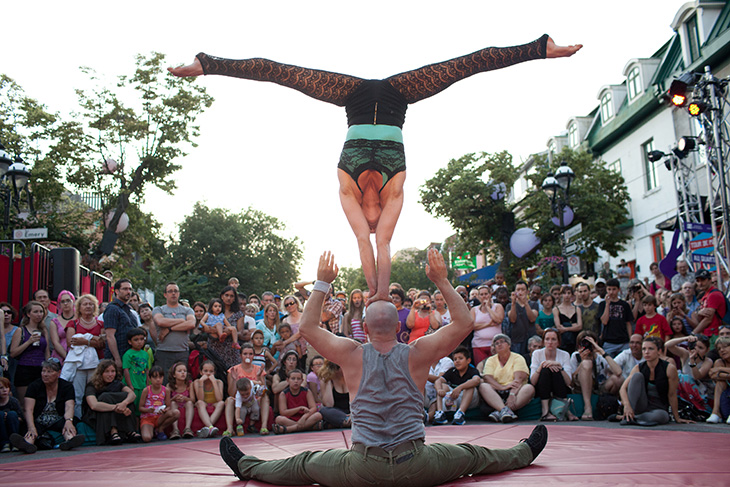 Cirque du Soleil street performance