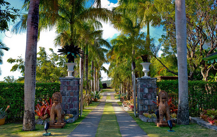 A luxury resort on Nevis Hotels