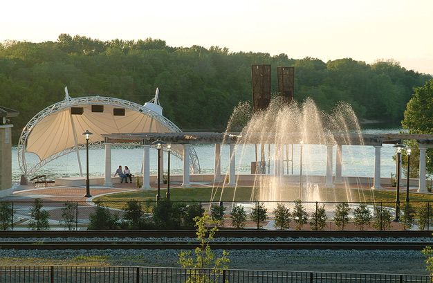 Riverwalk Amphitheater, Montgomery Family Attractions