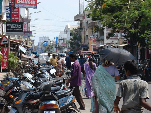 Street scene on Rue Mahatma Gandhi, Pondicherry